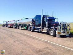 Pete 379 pulling a tanker road train.....💥⚡️💥