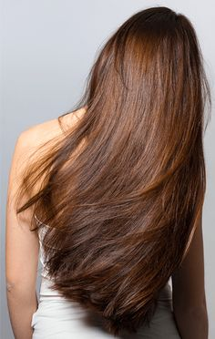 3 Ways to Stimulate Hair Growth Want longer, healthier hair? It's much easier to achieve than you may think! Here are our top tips for stimulating hair growth that you must see for longer hair by summer. Hair Growth Tips, Hair Care Tips, Hair Tips, Hair Ideas, Home Remedies For Hair, Natural Hair Styles, Long Hair Styles, Tips Belleza, Hair Health