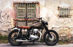 "Kawasaki W650 ""Dama"" - Davide Biondi Brat Style #motorcycles #bratstyle #motos | caferacerpasion.com"