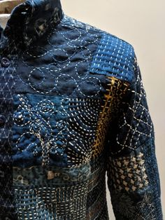 Fabric Art, Fabric Crafts, Shashiko Embroidery, Japanese Embroidery, Japanese Sewing, Boro Stitching, Shibori, Make Do And Mend, Techniques Couture