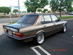 LOVE FOR BMW E28 | Retro Rides