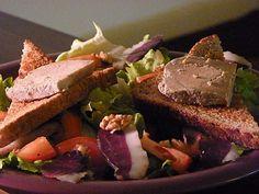 Salade périgourdine au foie gras : Recette de Salade périgourdine au foie gras - Marmiton