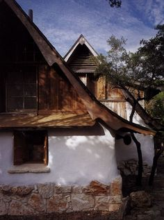 little hobbit house in texas by gary zuker 03 The Little Hobbit House in Texas Cob Building, Building A House, Adobe Haus, Underground Homes, Natural Homes, Earth Homes, Natural Building, Exterior Design, Future House