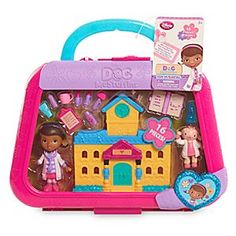 [Miss Fix It]It's pediatrics playtime with this Doc McStuffins Mini Figurine Toy Hospital Set. Includes 16 pieces: Doc and Lambie… Baby Girl Toys, Toys For Girls, Kids Toys, Film Disney, Disney Toys, Doc Mcstuffins Toys, Mattel Shop, Mermaid Tails For Kids, Bubble Guppies Birthday