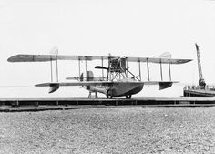 BRITISH AIRCRAFT FIRST WORLD WAR (Q 68177)   White and Thompson No. 3 two-seat flying boat.