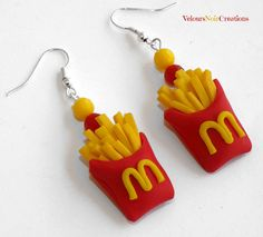 McDonald's fries earrings polymer clay, by Velours Noir Crèations, 8,00 € su misshobby.com