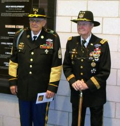 The real heros of the Batlle of Ia Drang Valley, Vietnam. LTG Harold Moore and CSM Plumley. The CSM died recently at A veteran of three wars. Military Veterans, Vietnam Veterans, Military Life, Military History, Military Guys, Military Quotes, Luftwaffe, Vietnam War Photos, United States Army