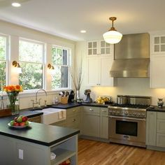 Island Vs Peninsula: Which Kitchen Layout Serves You Best?