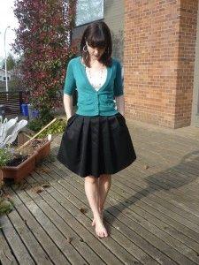 Black pleated skirt - mccalls 5803