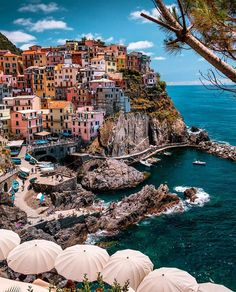 Cinque Terre is one of those places you must visit once in your life! Cinque Terre is one of those places you must visit once in your life! Beautiful Places To Travel, Cool Places To Visit, Wonderful Places, I Want To Travel, Travel Around The World, Around The Worlds, Cinque Terre Italy, Italy Italy, Genoa Italy