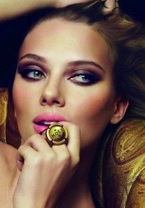 Scarlett- bright pink lips and deep smokey eyes