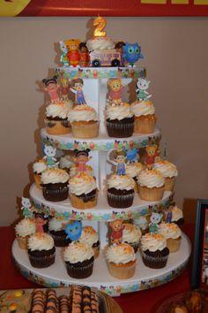 12 Daniel Tiger's Neighborhood Cupcake by HandmadePartyDecor