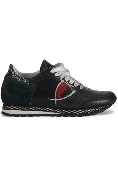 Gave Philippe Model Donna bassa reseau black red (zwart) Dames sneakers van  het merk philippe model . Uitgevoerd in zwart. dddd217b867
