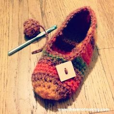 Google Image Result for http://www.thezenofmaking.com/wp-content/uploads/2012/08/rainbow_crochet_slippers.jpg