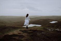 Scottish bridal landscape | Scotland lake bride | Natural nordic wedding inspiration