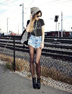 I so badly want a pair of high-waisted shorts.