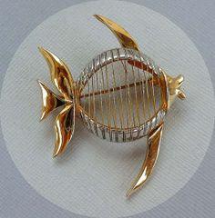 Vintage Wire Wrapped Goldtone & Silvertone Fish by thejewelseeker, $12.50 #vjse2 #vintage #brides #jewelry #boebot #bestofetsy
