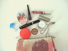 Delicate Lavender: What's in my makeup bag - Spring/Summer 2014