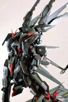 MG 1/100 Karas Gundam Modeled by Lazyboy