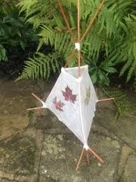 how to make reed and paper tissue lamp Paper Leaves, Paper Lanterns, Tissue Paper, Christmas Ornaments, Holiday Decor, How To Make, Decorating, Sticks, Mixed Media