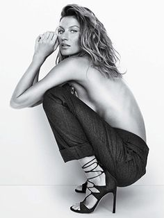 Gisele Bündchen by Mario Testino for Stuart Weitzman Fall 2015 Campaign Model Poses Photography, Nude Photography, Mario Testino, Portrait Poses, Studio Portraits, Stuart Weitzman, Gisele Bündchen, Donia, Model Test