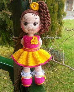 In this article we will share the amigurumi doll free crochet pattern. Amigurumi related to everything you can not find and – BuzzTMZ Crochet Doll Pattern, Crochet Toys Patterns, Stuffed Toys Patterns, Crochet Dolls, Doll Patterns, Amigurumi Patterns, Cute Crochet, Crochet Baby, Lol Dolls