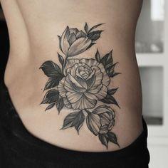 """Tatuagem feita por <a href=""""http://instagram.com/marquinhoandretattoo"""">@marquinhoandretattoo</a>  Marquinho André Tattoos→Linework/Simetria.  Agendament ..."""