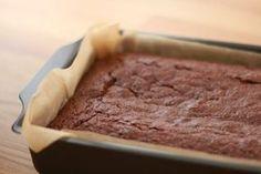 Heerlijk brownies recept zonder ei (+ video) Egg Free, Vegan Desserts, Banana Bread, Good Food, Sweets, Snacks, Drinks, Kitchen, Drinking