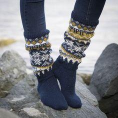 Oppskrifter - Viking of Norway Lace Knitting, Knitting Socks, Knit Crochet, Fair Isle Knitting Patterns, Knitting Designs, Knitting Ideas, Foot Warmers, Sock Toys, Winter Socks