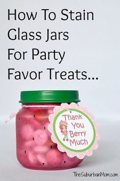 How To Stain Baby Food & Mason Jars To Store Food + Free Strawberry Shortcake Printable Thank You Tags - Baby Products Baby Food Jar Crafts, Mason Jar Crafts, Mason Jars, Baby Jars, Baby Food Jars, Food Baby, Easy Crafts, Diy And Crafts, Strawberry Shortcake Birthday