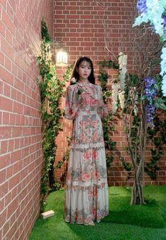 Luna Fashion, Kpop Fashion, Korean Fashion, Fashion Outfits, Muslim Fashion, Bad Dresses, Cute Dresses, Muslimah Clothing, Korea Dress