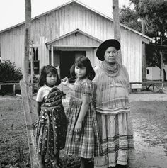 Indian Pictures: Historic Photographs of Seminole Indian Women in Florida