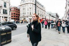 Julia Petit - Petiscos -malha Nasty Gal -casaco de paetês Joulik -tricô Style Nanda -calça Nasty Gal -botas Fiorifrancesi para Luisa Via Roma -joias Marisa Clermann -bolsa Chanel
