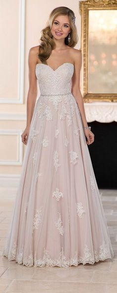 15 High Demanded Wedding Dresses for Brides