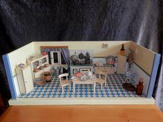 Alte Puppenküche mit Möbel,Herd und Zubehör,40/50er Jahre | eBay