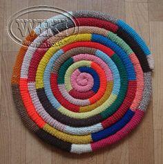 Rug Ideas, Rugs, Home Decor, How To Make Necklaces, Farmhouse Rugs, Decoration Home, Room Decor, Home Interior Design, Rug