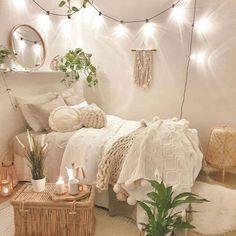 Charming Bohemian Bedroom Decor Ideas - DIY Home Ideas Cute Bedroom Decor, Room Design Bedroom, Room Ideas Bedroom, Cozy Bedroom, Bedroom Inspo, Dream Bedroom, Bedroom Decorating Ideas, Boho Teen Bedroom, White Comforter Bedroom