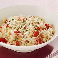 This White Bean-Tomato Risotto is less than 300 calories per serving and is a yummy dinner recipe!