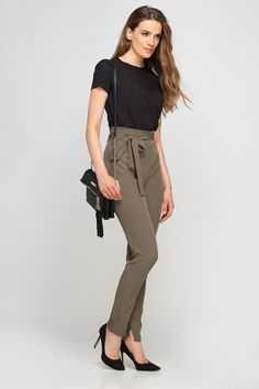 Casual Outfits, Fashion Outfits, Womens Fashion, Business Casual Attire, Look Chic, Pants Outfit, Casual Chic, Preppy, Women Wear