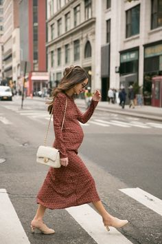 Gently used designer maternity brands you love at up to - Shop. Gently used designer maternity brands you love at up to off retail! Cute Maternity Outfits, Stylish Maternity, Pregnancy Outfits, Maternity Wear, Maternity Style, Maternity Street Styles, Fall Maternity Fashion, Baby Bump Style, Mom Style