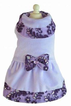 Espectacular vestido para perros, Suavidad y confort en su diseño.  Adquiere estos lindos vestidos en www.toutmignon.net