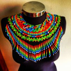 Colombian seed bead culture from the Embera tribe. Beaded Collar, Beaded Choker, Beaded Jewelry, Handmade Jewelry, Beaded Bracelets, Necklaces, African Necklace, African Jewelry, African Accessories