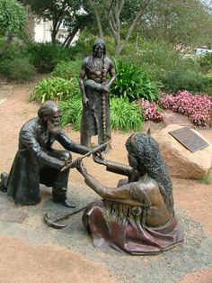 A statue depicting German-American settlers and Native American Indians sharing a peace treaty tradition, in commemoration of the signing of the  Meusebach-Comanche Treaty (said to be the only treaty between white settlers and Native Americans that was never broken) - Fredericksburg, Texas This picture (or actual statue) could be used in my lesson as part of immigration and Native Americans.