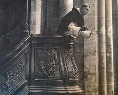 (Imagen: Fraile predicando desde el púlpito de la iglesia del Convento de Saint Maximin. circa 1940)