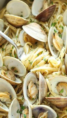 15 of our favorite seafood recipes that you can make from start to finish in half an hour or less. dinner 15 Summer Seafood Recipes You Can Make in 30 Minutes or Less Best Fish Recipes, Tilapia Fish Recipes, Salmon Recipes, Healthy Recipes, Summer Recipes, Summer Entrees, Linguine And Clams, Pasta With Clams, Pasta With Seafood