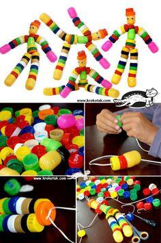 Bonecos com tampinhas
