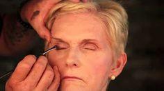 makeup tutorial makeup ideas blue prom dress makeup nail design makeup ideas nail makeup nail art nailart makeup nailart and makeup salon design Makeup Salon, Skin Makeup, Beauty Makeup, Makeup Studio, Beauty Tips, Makeup For Older Women, Makeup Tutorials Youtube, Flawless Face, Celebrity Makeup