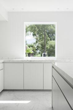 Kitchen - The White House in Belgium by LMS Vermeersch Architecten and Elbeko