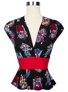 The Trashy Diva Anna Blouse in Chinese Opera is modeled after a 1937 pattern!