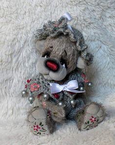 Gretl By Silke Pfender - Bear Pile
